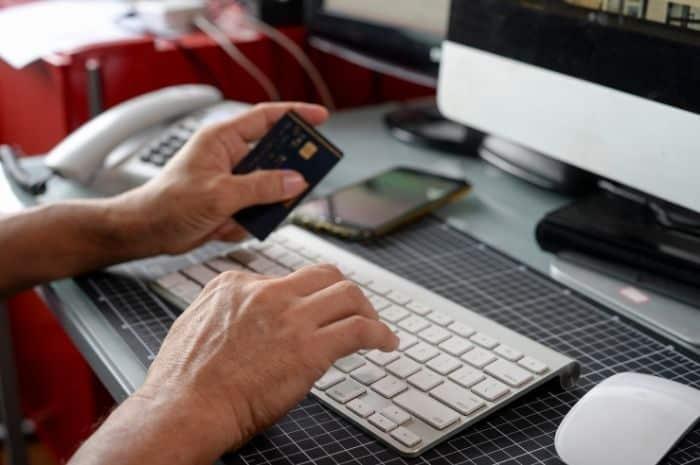 Acheter du CBD en ligne à un revendeur de confiance est rapide et sécurisé