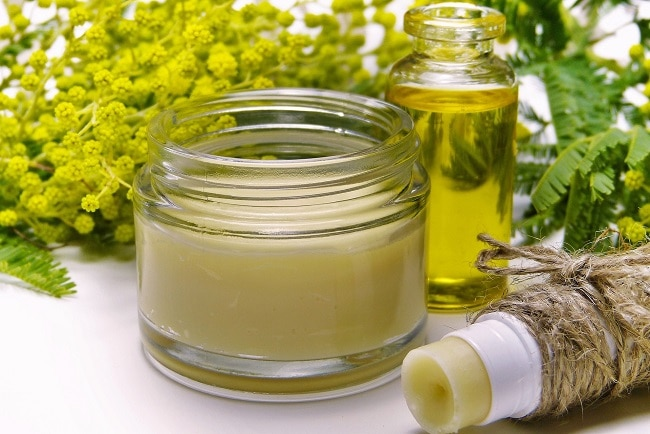 Une crème anti-âge au CBD allie bienfaits du cannabidiol à d'autres molécules naturelles