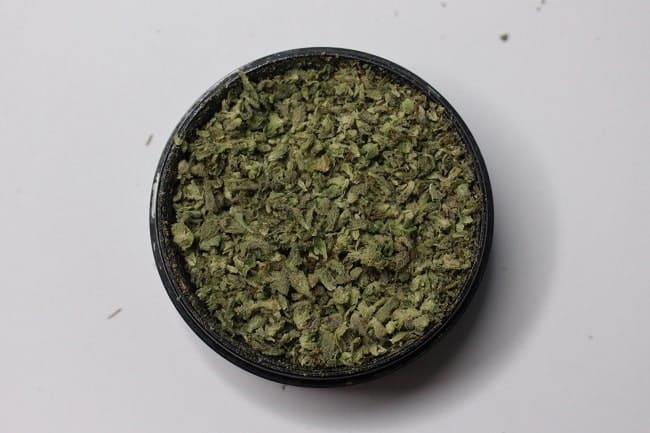 La cannabis non trasformata promuove l'effetto entourage