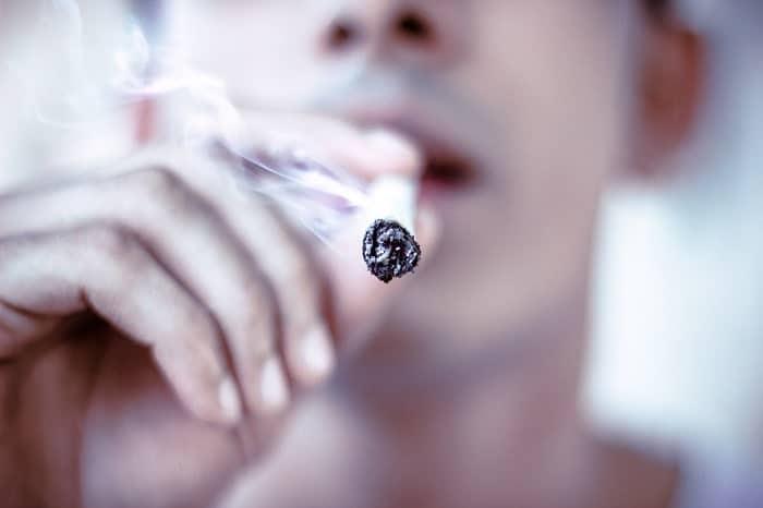Fumare THC rimane pesantemente punito dalla legge francese