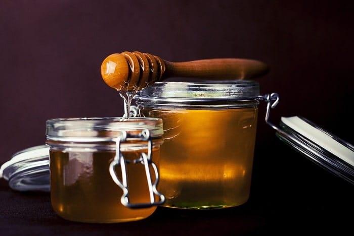 Le miel au cannabis associe les vertus du miel à celles des cannabinoïdes