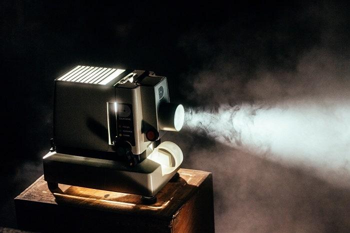 film cannabis fumée min