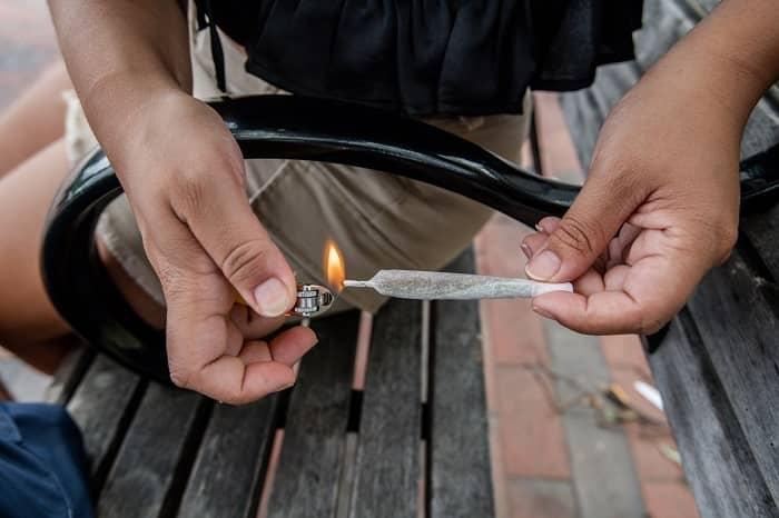 fumar provoca una combustión dañina min