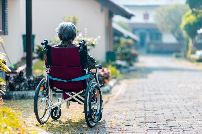 esclerosis múltiple y trastornos motores min