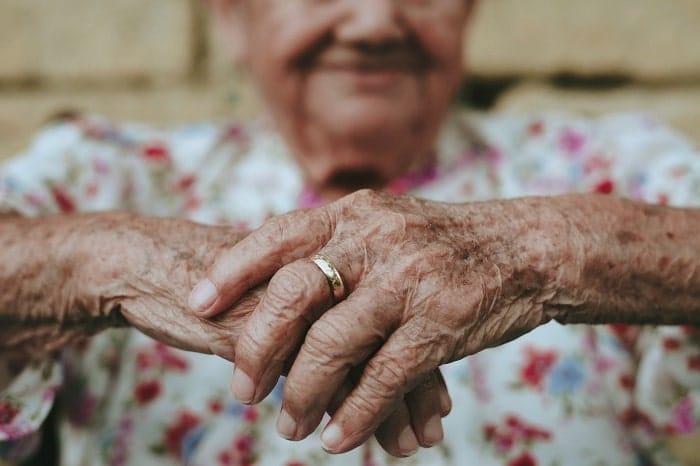 6 Vorteile von CBD für Senioren